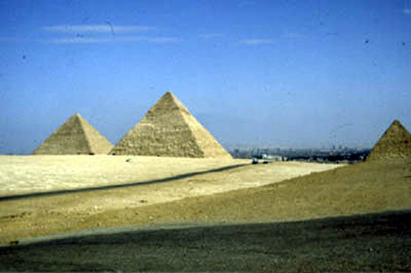 39 on ancient egypt giza pyramids